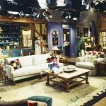 Monicas-apartment-set-design-on-Friends